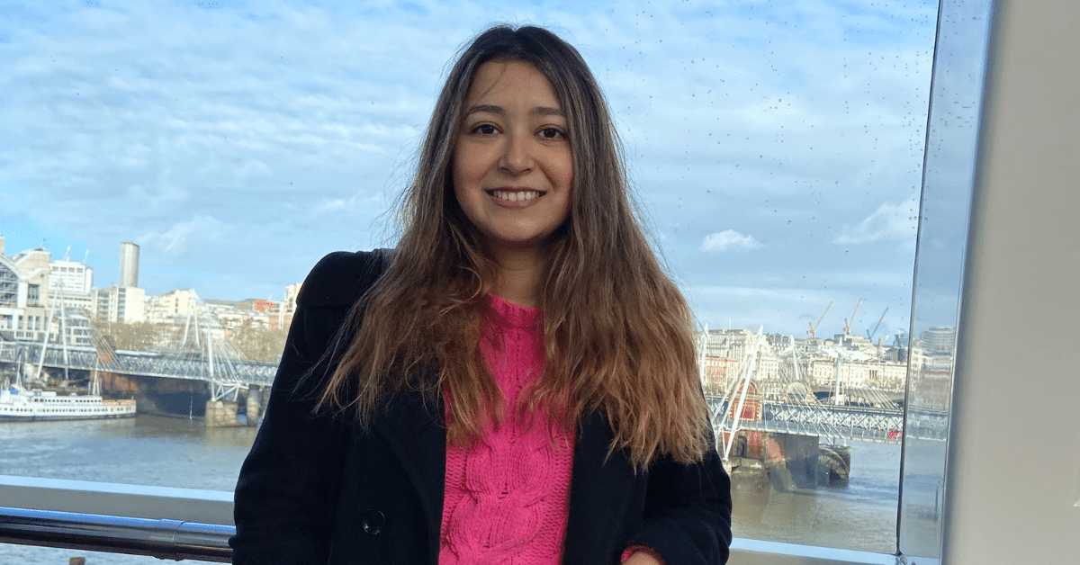 Alyssa Pacheco studying abroad in England